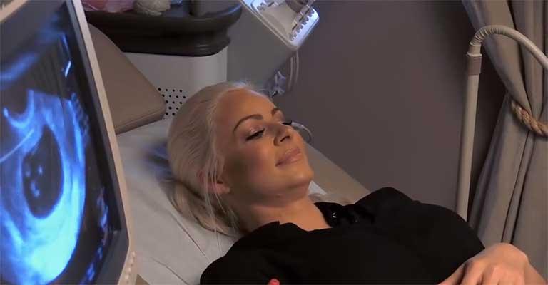 Maryse-and-The-Miz-1st-ultrasound-on-Total-Divasv, Dr. Thais Aliabadi